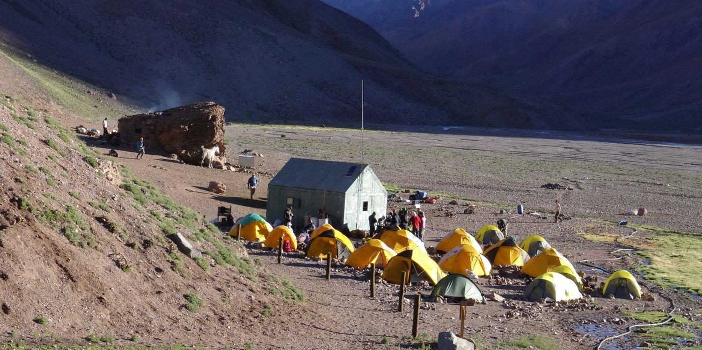 Camp Case de Piedra