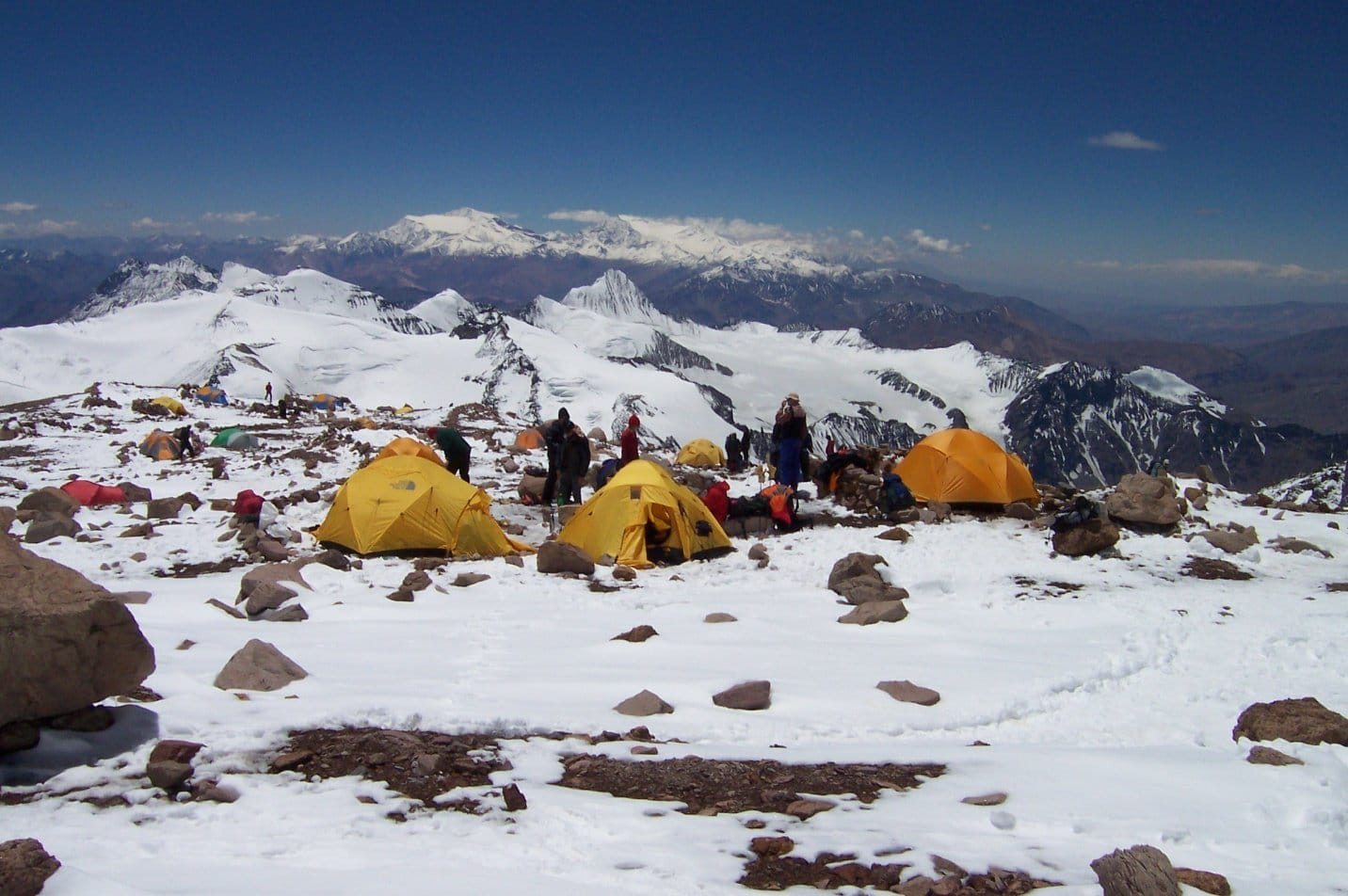 High Camp Cólera